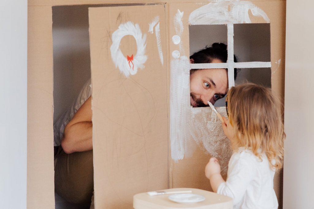 Los niños aprenden mientras se expresan a través del juego