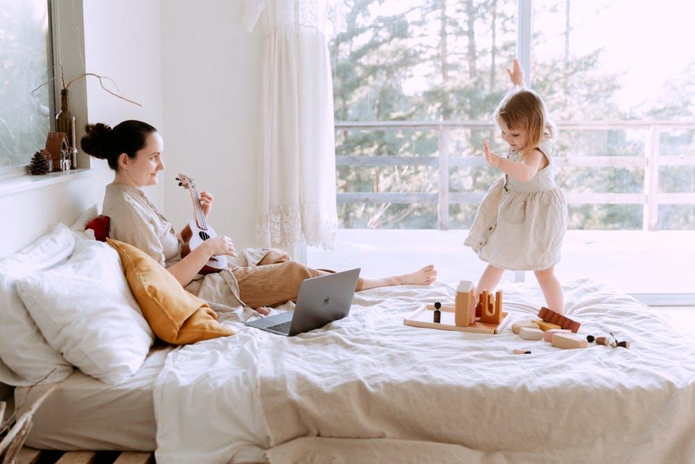 Escucha compartida y juego musical para tu crianza